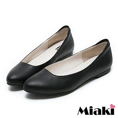 Miaki-通勤鞋真皮職場女伶低跟包鞋 黑