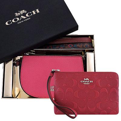 COACH 粉紅花朵圖樣彎月手拿包禮盒組-附雙提帶+COACH 紅色皮革大C立體浮雕手拿包