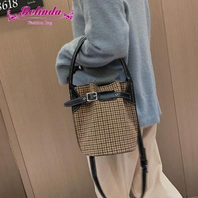 【Belinda】奧爾納千鳥紋皮帶手提側背水桶包(黑色)