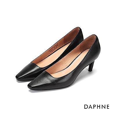 達芙妮DAPHNE 高跟鞋-素色真皮霧面斜跟高跟鞋-黑