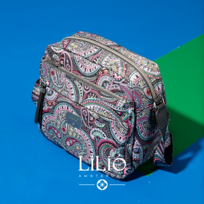 【LILIO】鐵灰__拉鏈式夾層斜背包_都市時尚_PAISLEY  PARK