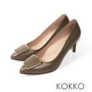 KOKKO - 凱莉的公寓方扣尖頭經典高跟鞋-綠寶石