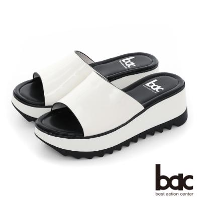 【bac】加州陽光-鏡面感軟漆皮一片式厚底台涼拖鞋-白