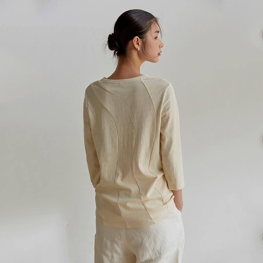 旅途原品_背影_原創設計弧形分割針織純棉七分袖T恤-本白/湖藍