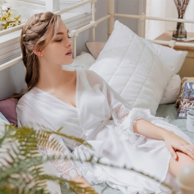 Naya Nina 奢華公主風蕾絲拼接罩衫外套居家睡衣-白F