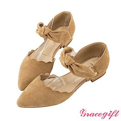 Grace gift-絨面花邊蝴蝶結尖頭低跟鞋 深杏