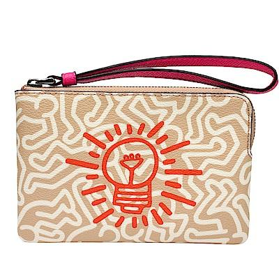 COACH  Keith Haring聯名PVC拉鍊萬用手拿包(米白/燈泡)