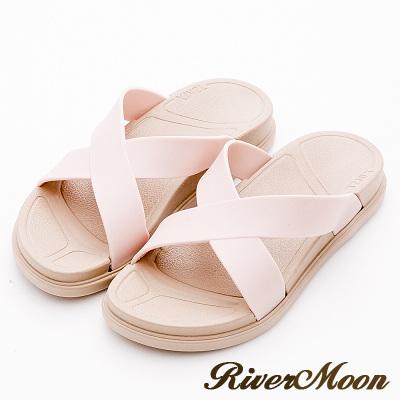 River&Moon拖鞋-寬版交叉Q軟輕量防水羅馬休閒拖鞋-淡粉