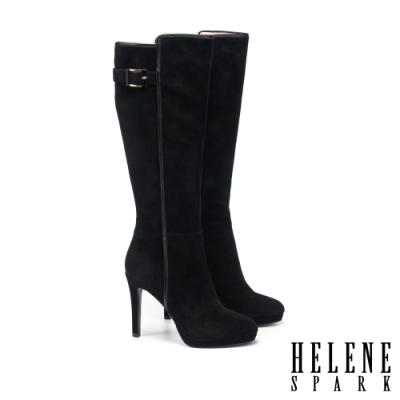 長靴 HELENE SPARK 都會摩登烤漆方釦麂皮美型高跟長靴-黑