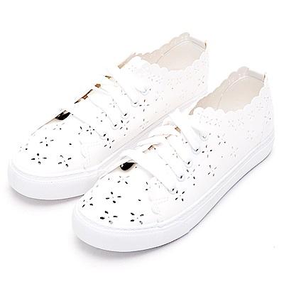 River&Moon小白鞋-花漾簍空綁帶平底便鞋-白
