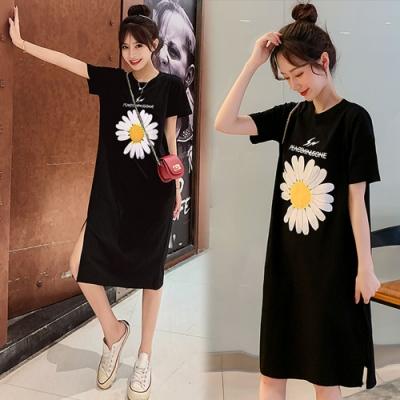 【韓國K.W.】(預購) 花朵圖圓領洋裝小衩中長款洋裝(共1色)