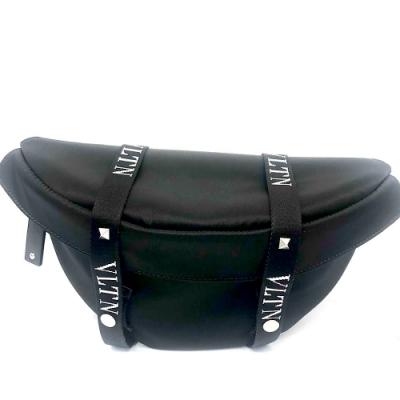 Valentino Garavani VLTN黑色雙蓋扣式拉鍊腰包