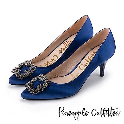 Pineapple Outfitter 璀璨名媛 方鑽飾釦尖頭高跟鞋-深藍