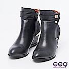 ee9-MIT經典手工-簡約低調異材質併接素面楔型跟短靴*黑色