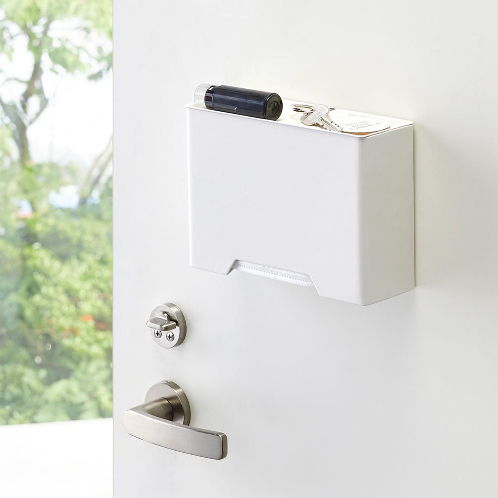 日本YAMAZAKI-tower磁吸式口罩收納盒(白)★居家收納/收納箱