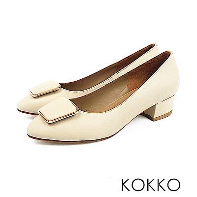 KOKKO - 通勤時尚方扣羊皮跟鞋-白
