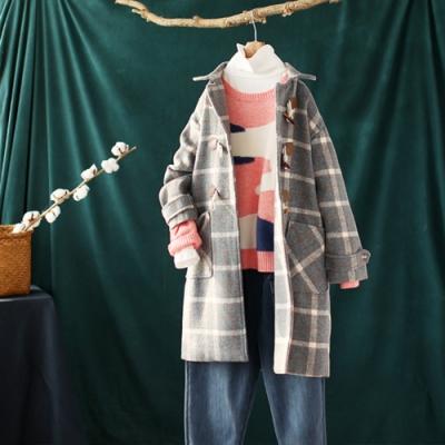 牛角扣格子毛呢大衣中長版修身呢子外套-設計所在