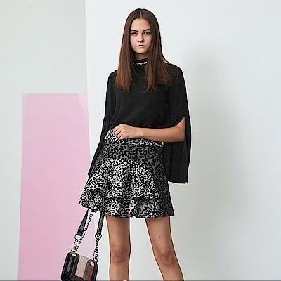 ICHE 衣哲 時尚動物紋印花拼接蛋糕疊層造型短裙-黑