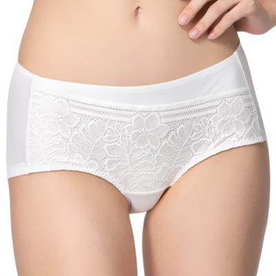 思薇爾 Love myself系列M-XL中低腰平口內褲(奶油色)