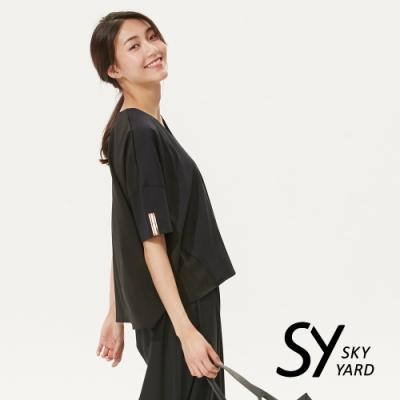 【SKY YARD 天空花園】休閒百搭拼接V領寬版造型上衣-黑