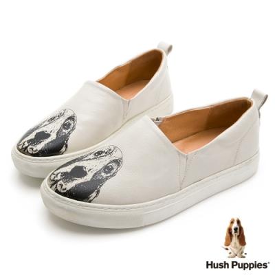 Hush Puppies 經典巴吉度大耳狗休閒鞋-米白