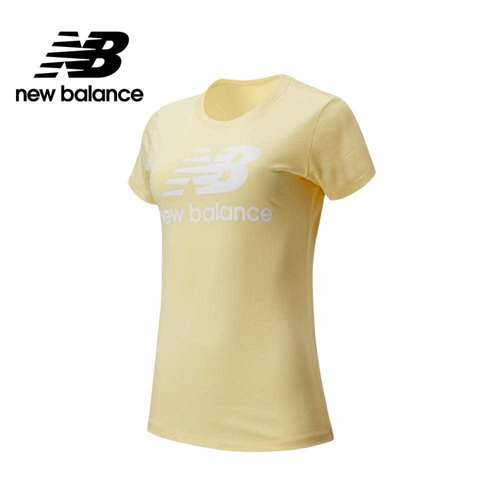 【New Balance】經典Logo短袖上衣_女性_淺黃_AWT91546SUG