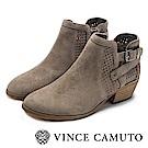 VINCE CAMUTO 西部感編織金屬扣中跟踝靴-絨灰