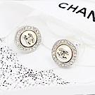 CHANEL香奈兒 圓形水鑽雙C鑲嵌珍珠 耳針式耳環