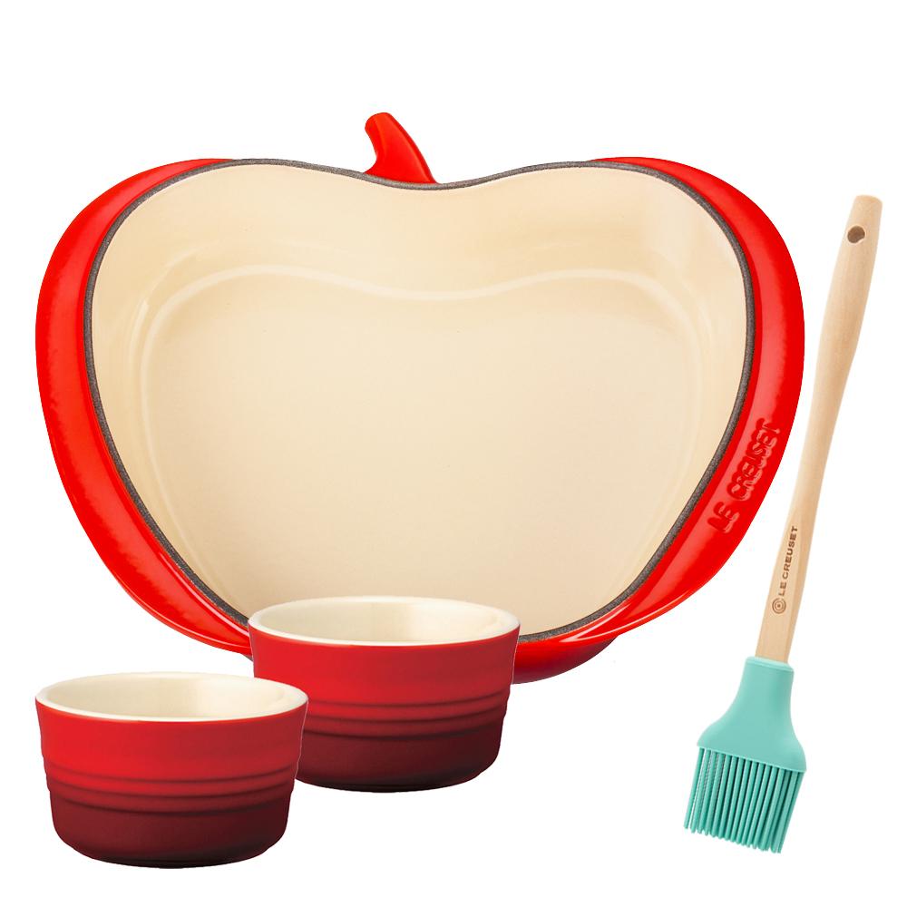 [獨家組合] LE CREUSET 琺瑯鑄鐵蘋果造型烤盤-櫻桃紅+瓷器小烤皿2入+耐熱矽膠B油刷