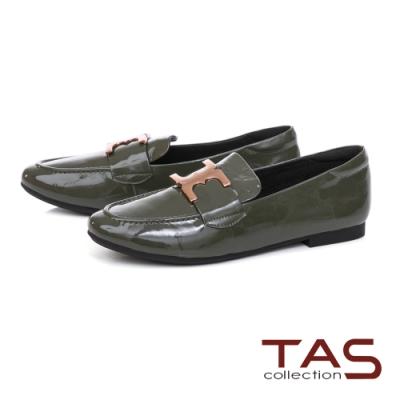 TAS雙C金屬飾扣漆皮樂福鞋-森林綠