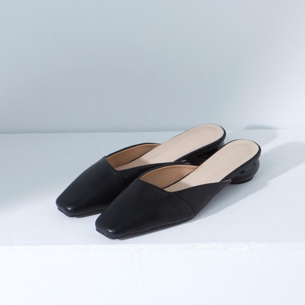 Grace gift-方頭斜口圓跟穆勒鞋 黑