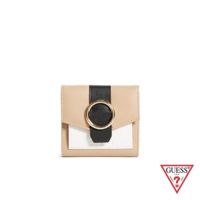 GUESS-女夾-時尚素面色圓環三折式短夾-棕 原價1490