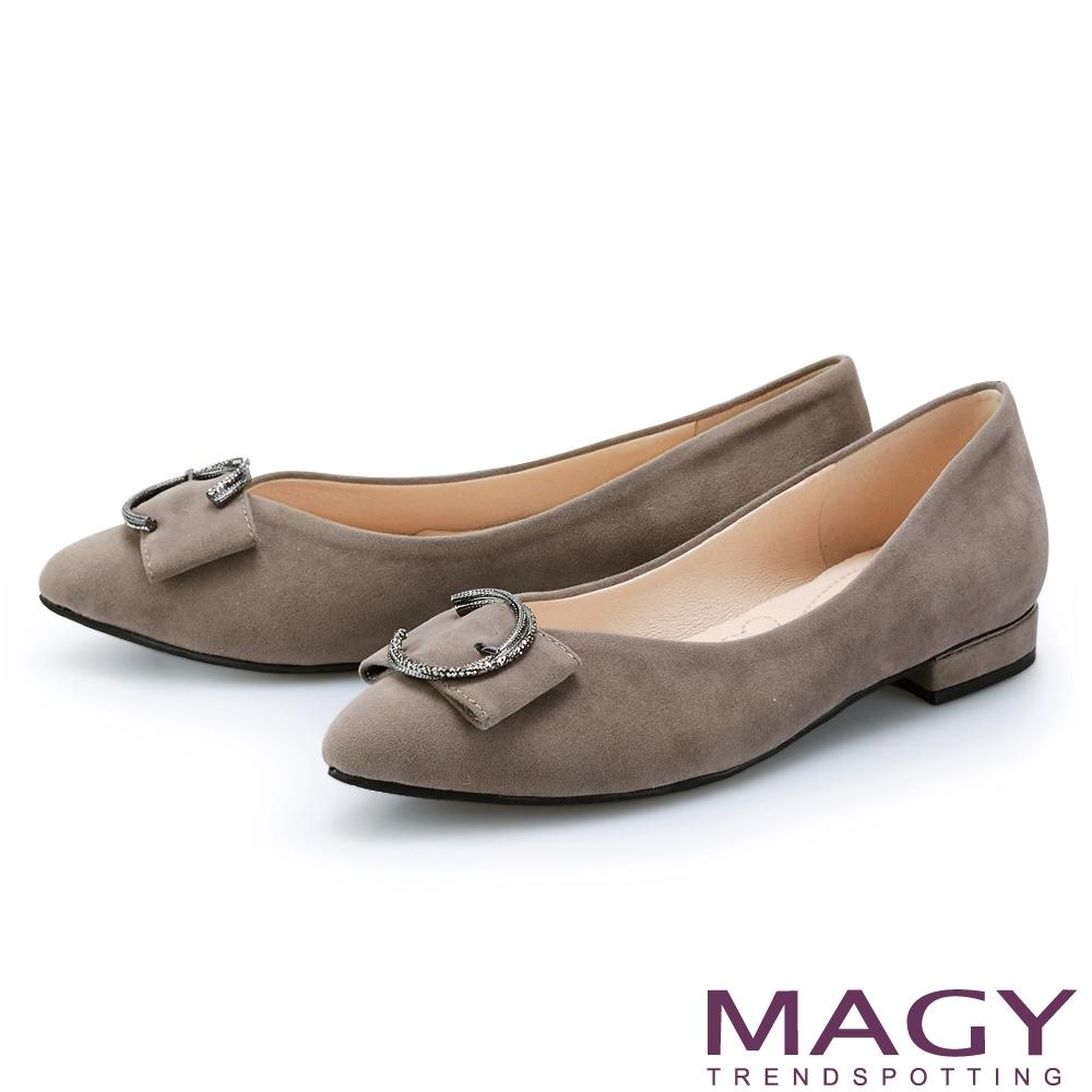 MAGY C型灰鑽飾釦尖頭 女 平底鞋 灰色