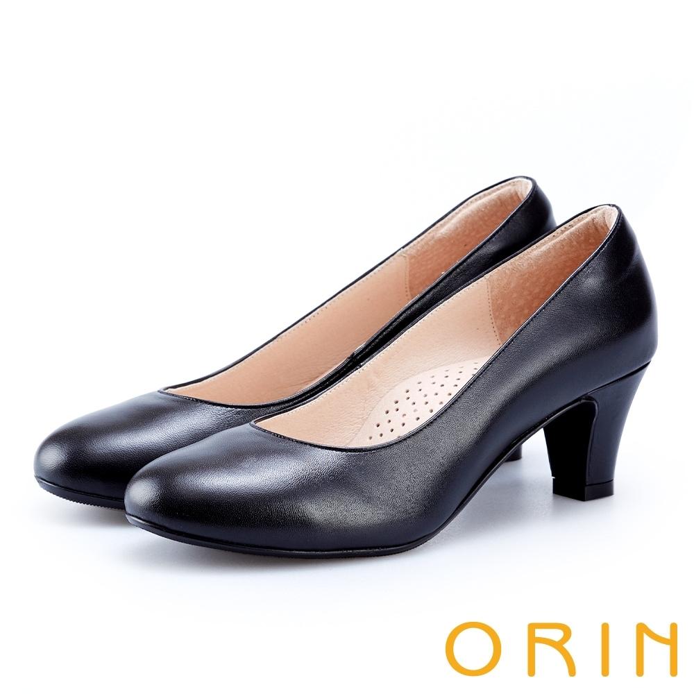 ORIN 輕熟魅力 柔軟羊皮素面中跟鞋-黑色