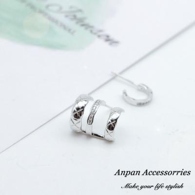【ANPAN愛扮】韓東大門百搭幾何圓圈鑽石不對稱925銀耳針式耳環