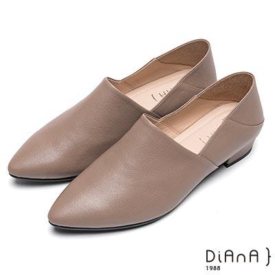 DIANA素色兩穿2way羊皮樂福鞋-簡約時尚-卡其