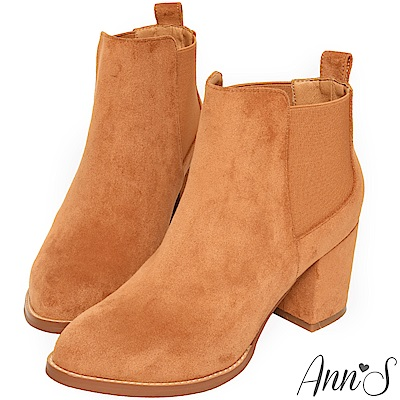 Ann'S打造九頭身-質感細絨鬆緊拼接顯瘦粗跟短靴-棕