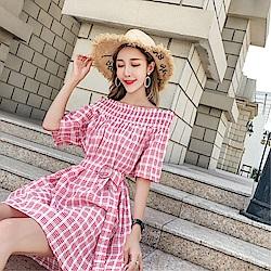 DABI 韓系復古一字領寬松格子復古收腰配腰帶短袖洋裝