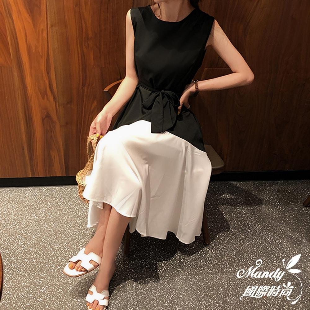 Mandy國際時尚 無袖洋裝 氣質系帶不規則拼接無袖連身洋裝 _預購【韓國服飾】