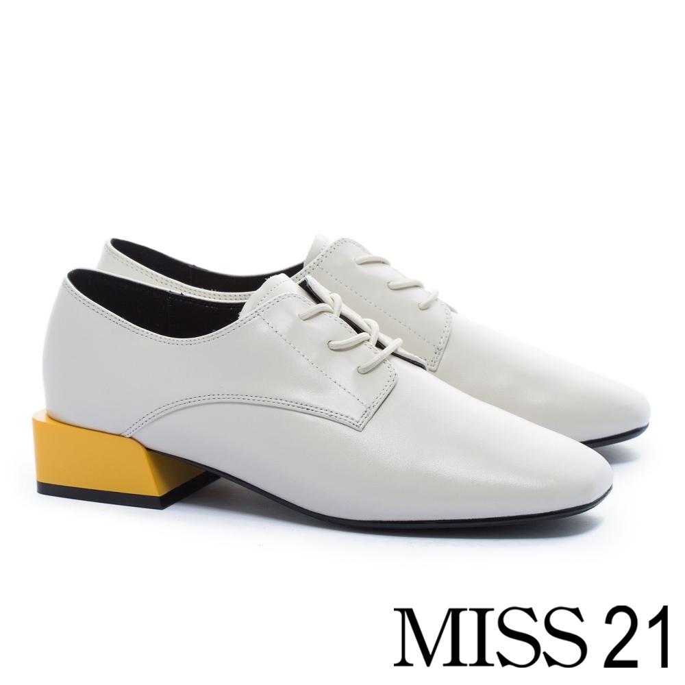 低跟鞋 MISS 21 中性復古積木造型跟牛皮綁帶方頭低跟鞋-白