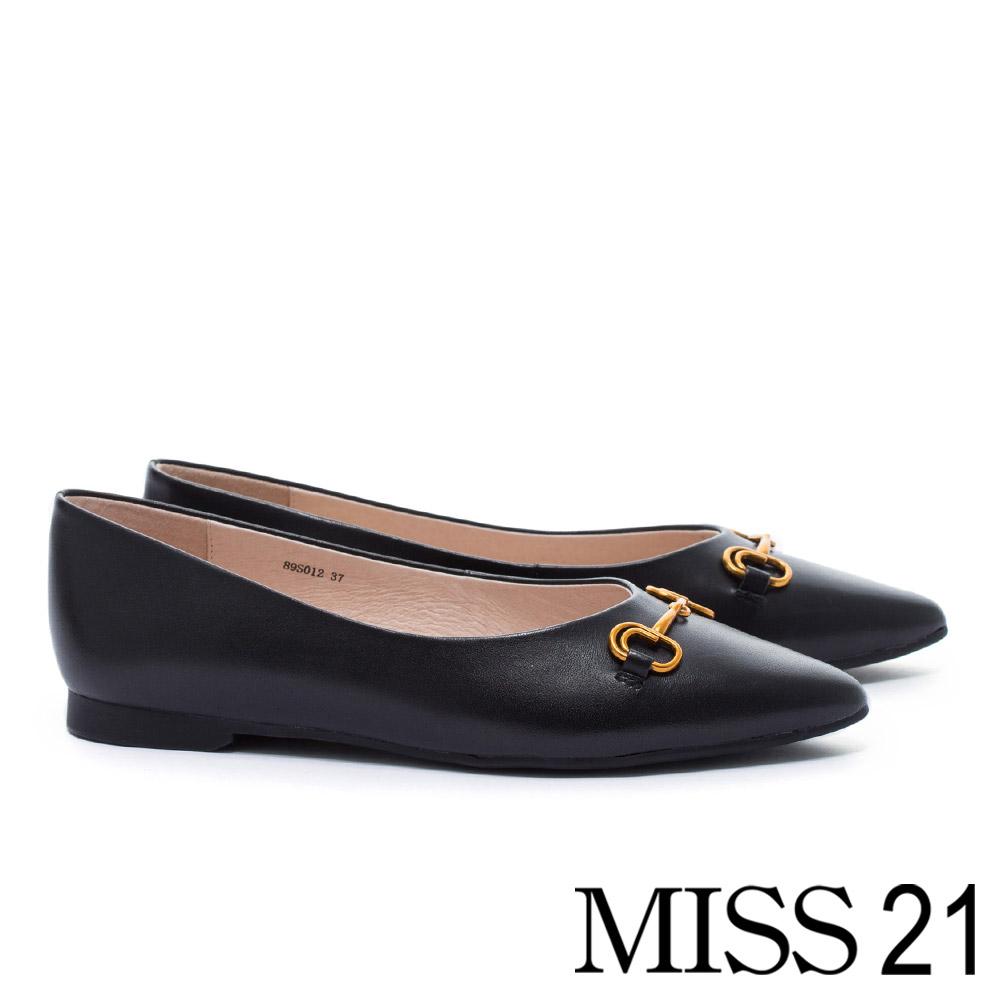 低跟鞋 MISS 21 復古金屬釦環全真皮尖頭低跟鞋-黑