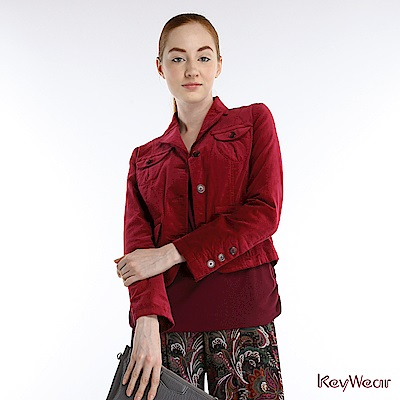 KeyWear奇威名品古典絨布合身窄腰短版西裝外套-紫紅色