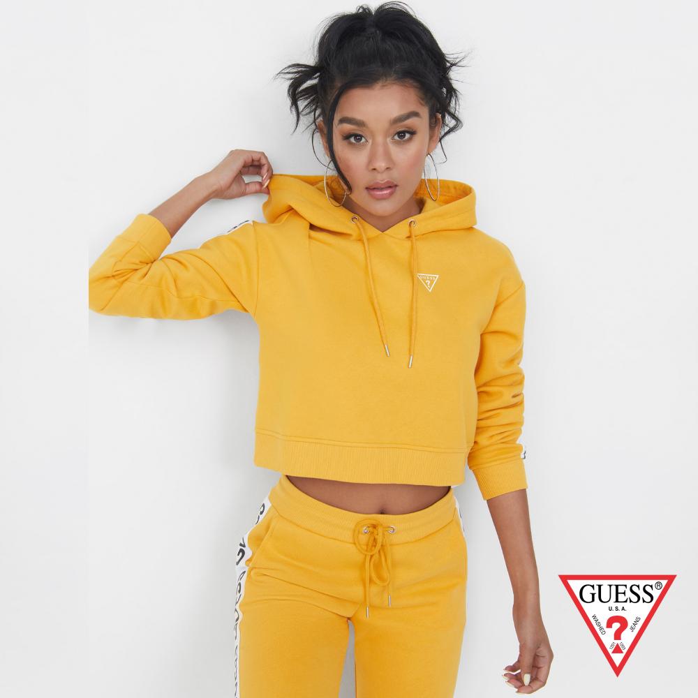 GUESS-女裝-美式運動風短版帽T-黃 原價2990