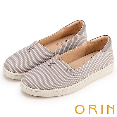 ORIN 引出度假氣氛 LOGO刺繡條紋布面平底便鞋-灰色