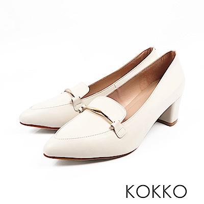 KOKKO  - 唯美之境金扣牛皮粗高跟樂福鞋-淡漠白