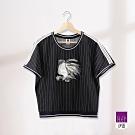 ILEY伊蕾 運動風金魚貼繡條紋上衣(黑)