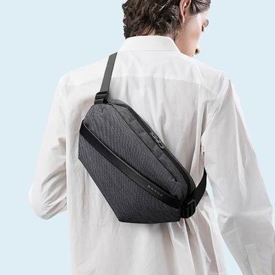 【leaper】輕機能極簡時尚風防潑水防盜多隔層運動休閒單肩包 3色可選