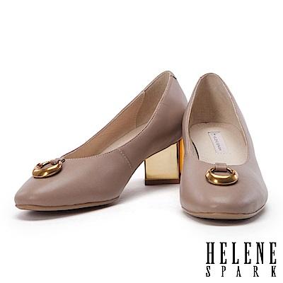 高跟鞋 HELENE SPARK 都市時尚金屬圓環真皮粗跟高跟鞋-米