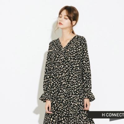 H:CONNECT 韓國品牌 女裝-V領豹紋魚尾洋裝-黑