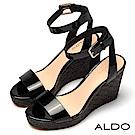 ALDO 原色亮面一字金屬繞踝釦帶露趾楔型涼鞋~尊爵黑色